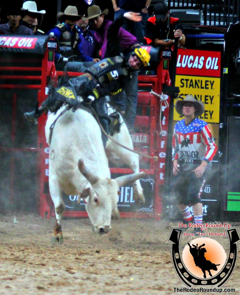 Round Two Continues The Excitement At The 2017 PBR World Finals
